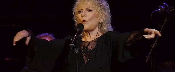 Petula Clark – Live at Leeds Town Hall 2016:   How to sustain a career in your eighties