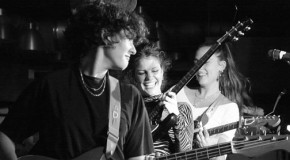 Hinds – Spanish Bombs fall on Leeds